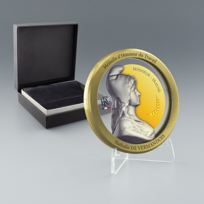 Médaille d'honneur du travail or, Prix medaille du travail 35 ans, Médaille or gravée