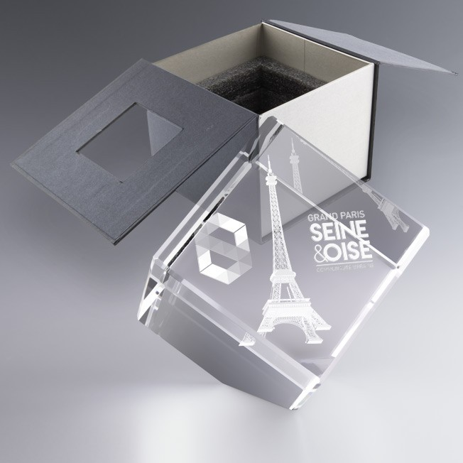 Trophée personnalisé cube 10 cm pan coupé, trophée en verre, cadeau entreprise original