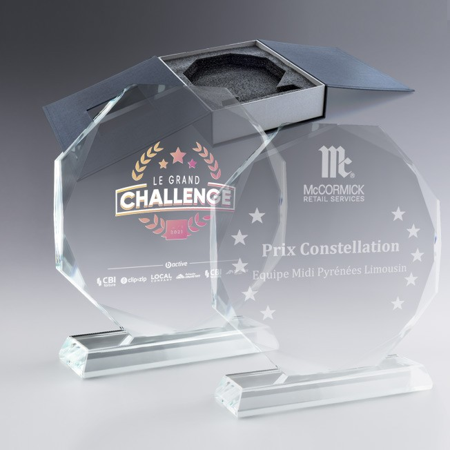 boite cadeau trophée personnalisée, trophée en verre